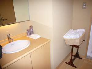 【和室 山茶花】の  お部屋の洗面台。