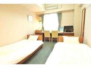 リフレフォーラム:二人で快適ツインルーム!全室ユニットバス・ミニキッチン付で長期滞在にも便利!