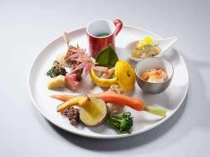 水素風呂と美食と・・・。谷川温泉やど莞山KANZAN:創作田舎会席「季節の前菜パレット一例」