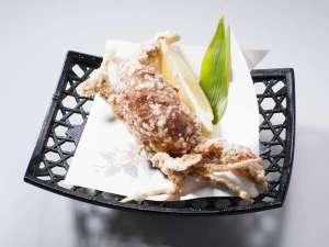 水素風呂と美食と・・・。谷川温泉やど莞山KANZAN:創作田舎会席「名物!渡り蟹のソフトシェル姿揚げ」