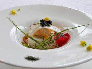 オーベルジュ オー・ミラドー:目にも美しく、とろけるような食感の前菜