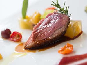オーベルジュ オー・ミラドー:美味しい肉料理が楽しめるディナー