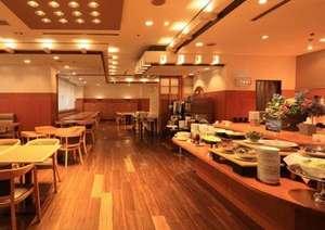 スマイルホテル徳島:席数は68席と広々とした店内、ソファー席もありますのでお子様連れのご利用も大変便利です。