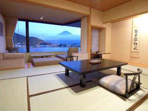 お部屋からも富士山が見えます