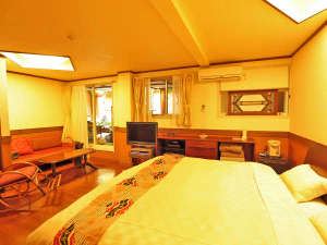 小さなホテル セラヴィ