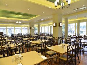 パシフィックホテル沖縄:1階「ガーデンレストラン竜潭」ごゆっくりお召し上がりくださいませ