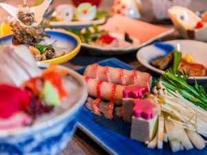 河内屋  源泉かけ流し100%の湯宿:じゃらん限定の土曜日プランのお料理は金目鯛3種類のお料理とサザエの唐揚げが人気。