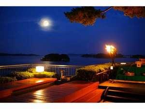 松島温泉 小松館好風亭:松島といえば「お月見」☆足湯のあるお月見台は当館人気のスポットです。