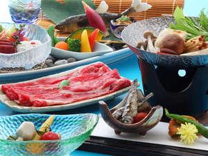 クレフィール湖東:【ご夕食例】料理長が地元食材を用いて丹精込めて作ります。※内容は月替わり