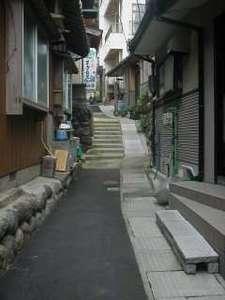 若狭常神 民宿 杉本:宿までの通り。