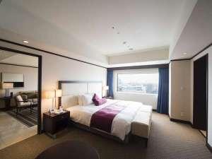 ANAクラウンプラザホテル岡山:【エグゼクティブスイート/17階】窓からは岡山の街並みが一望できます