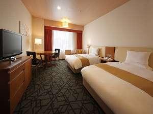 ホテルメトロポリタン山形:デラックスツイン【36平米】/昼 ベッドサイズ200cm×140cm