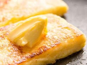 ホテルオークラJRハウステンボス:カフェテラス「カメリア」朝食一例※外は少しカリっと、中はふんわりフレンチトースト♪