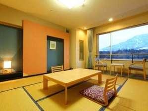 かんぽの宿阿蘇:阿蘇五岳を望む落ち着きのある和室