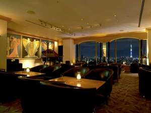 ホテルイースト21東京 ~オークラホテルズ&リゾーツ~:カクテルラウンジ「パノラマ」煌めく夜景とともに至福の一杯をどうぞ