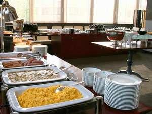 """ホテルメトロポリタン盛岡 :岩手県産の食材を中心とした和洋ブッフェの朝食 4階""""JUEN""""(ジュエン)"""