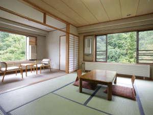 鹿教湯温泉 斎藤ホテル:デラックス10畳和室角部屋