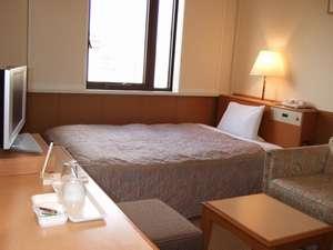 京都堀川イン:《部屋》スタジオシングルルームはソファ付。快適な京の旅を愉しめます★