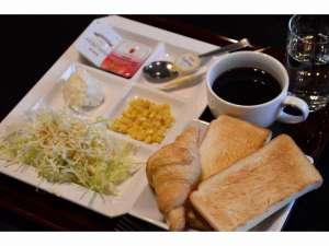 京都堀川イン:朝食無料サービス洋食はパン・コーヒー・ジュース・サラダ他