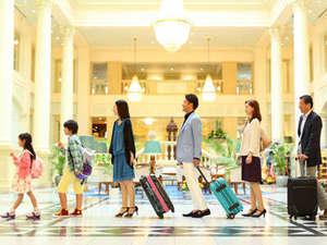 ホテルアムステルダム 【ハウステンボス ザ・スリーホテルズ】:開放的なロビーに到着!