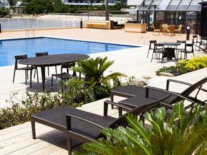 海のホテル 島花:ヨットハーバーに面したテラスプールは9/30(木)まで営業♪