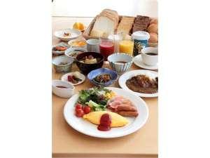 山形グランドホテル:朝食:和洋バイキング一例  山形の郷土料理もお楽しみいただけます。