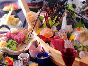 リゾートヒルズ豊浜 蒼空の風 ~SORA no  KAZE~:全プラン舟盛り付き。海女と漁師の町相差の名に恥じない海の幸をご堪能下さい。大切な方と至福のひと時を♪