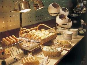 ホテルグランドパレス(HOTEL GRAND PALACE):朝食ブッフェ(イメージ)/約20種類のメニューが揃います。