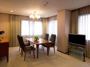 ホテルグランドパレス(HOTEL GRAND PALACE):22階のスイートルームからは都内が一望できます。