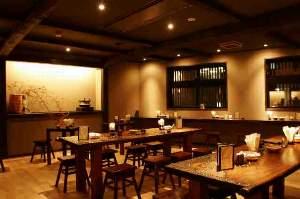 越後湯澤 HATAGO 井仙:館内にある温泉珈琲「水屋」では幻の温泉水を使ったコーヒーが自慢