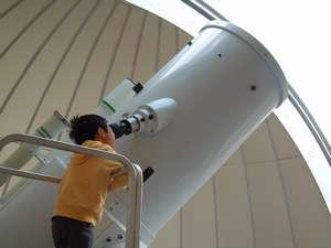 星の文化館:昼間でも青空の中に星を見ることが出来る大型望遠鏡!