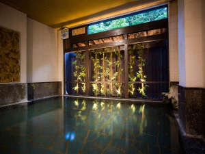 会津東山温泉 月のあかり:女性大浴場「花(はな)の湯」の夜のイメージ画像♪