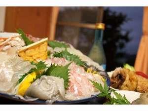 民宿 海の幸:北九十九島でとれた鮮魚の盛り合わせ4名盛りばい