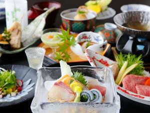 大谷山荘:【夏会席「月舟」】仙崎イカや仙崎鯛、萩白バイ貝など、日本海の海の幸をいろいろとご賞味くださいませ