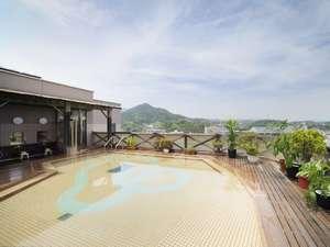ホテル華翠苑:空中露天風呂で開放感あふれる湯浴みを。※夏休み期間中は、男女入替制にて1つの浴場のみの営業となります