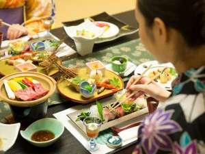 ホテル華翠苑:四条流庖丁式の料理人が作り出す極上会席に舌鼓。