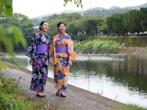 ホテル華翠苑:嬉野川沿いの遊歩道を散策