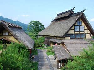 かやぶきの郷薬師温泉 旅籠:夏のかやぶきの郷
