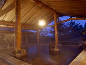 養老温泉 秘湯の宿 滝見苑:*幻想的な雰囲気の中で、温泉浴をお楽しみ下さい。