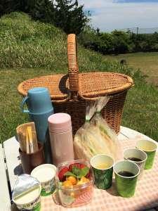 オーシャンリゾート Bondi(ボンダイ):朝食はバスケットに入れてお届け。お部屋やテラスや海に、お好きな時間で。(写真は2名様用)