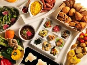 天然温泉 プレミアホテル-CABIN-旭川(旧ホテルパコ旭川):道産食材にこだわった和洋バイキングを展望レストランでどうぞ♪焼きたてパンも美味!