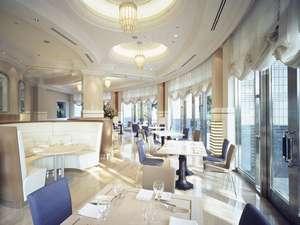 ホテル一階 レストラン&ラウンジ「ザ・テラス」昼