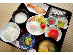 金田一温泉 仙養舘:ボリューム満点の朝食もご用意しております。