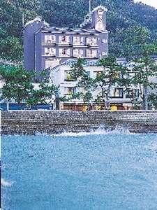 夫婦岩前 大石屋の写真