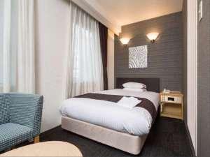アーヴェストホテル蒲田(東口):線路側 ダブルA 【Area:18㎡ Bed:140×195cm】