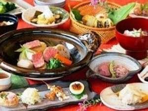 信州野沢温泉 野沢グランドホテル ~絶景露天風呂の宿~:旬のおごっつぉ故郷料理「秋」イメージ。寒くなる季節にお鍋が嬉しい♪