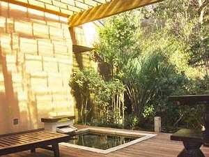 タイムリゾート隠れ屋:*雨の日でも♪露天風呂に屋根を設置いたしました。