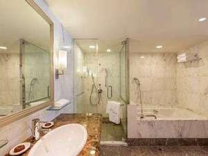 【ジュニアスイート】バスルーム(一例)