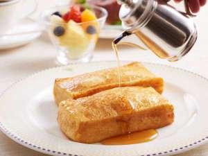 ホテルオークラ東京:【ルームサービスで朝食を】伝統のフレンチトースト(イメージ)