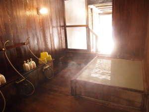白濁の貸切露天 なごみ湯 白樺:檜の内湯